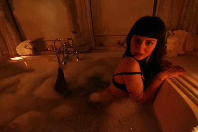bathtub wetlook lingerie photoshoot 3
