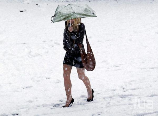 woman walking in sheer pantyhose in the snow