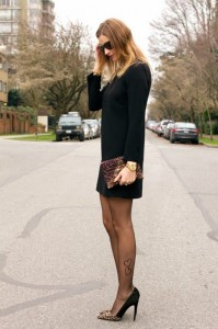 mandisa fiore on a blogger - pantyhose
