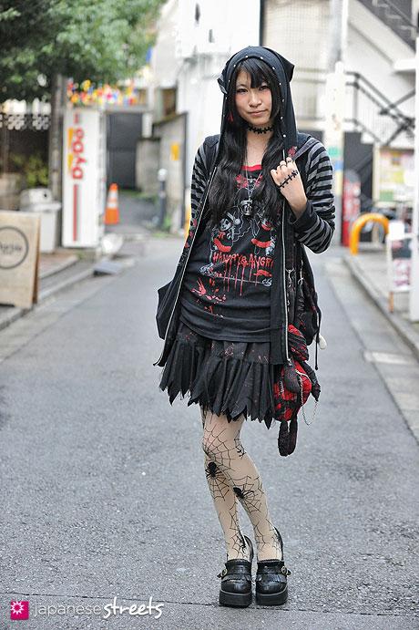 121007-1764 - Japanese street fashion in Harajuku, Tokyo