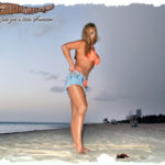 Sweet n Pantyhose on the beach in shiny pantyhose