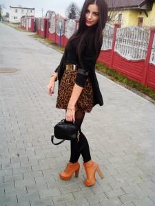 blogger in Alpia tights by Fiore mock stockings suspender tights 1