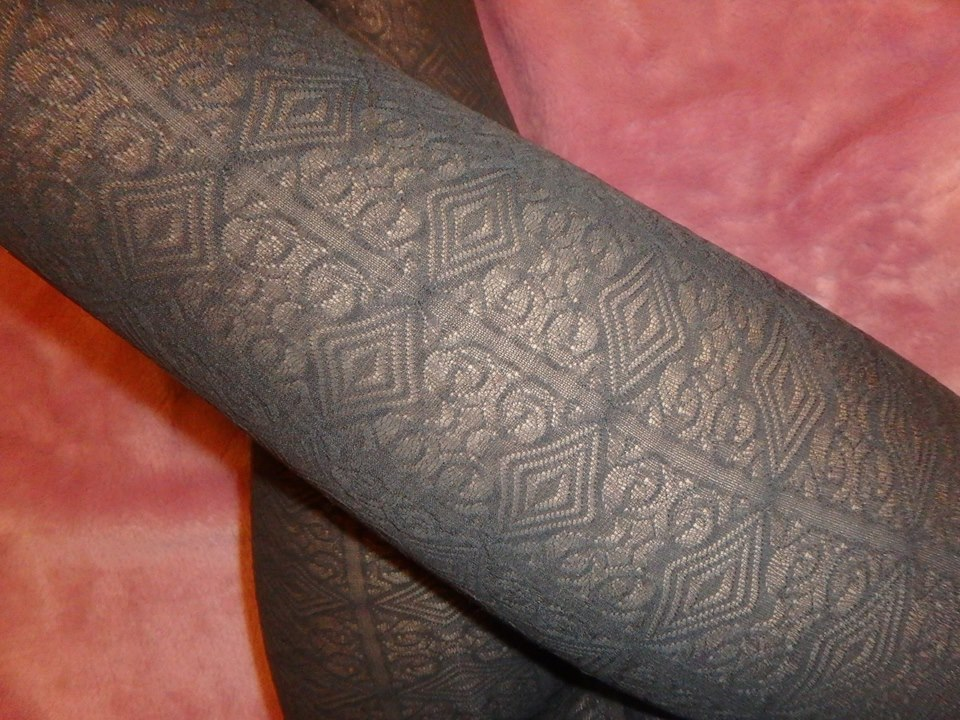 bree pantyhose pattern on the leg Fiore 60 den tights