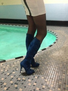 dim pantyhose legs and boots resized 2
