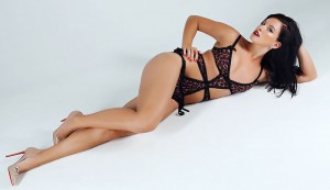 Maria Komissarova in lingerie Russian skier suffers spinal injury