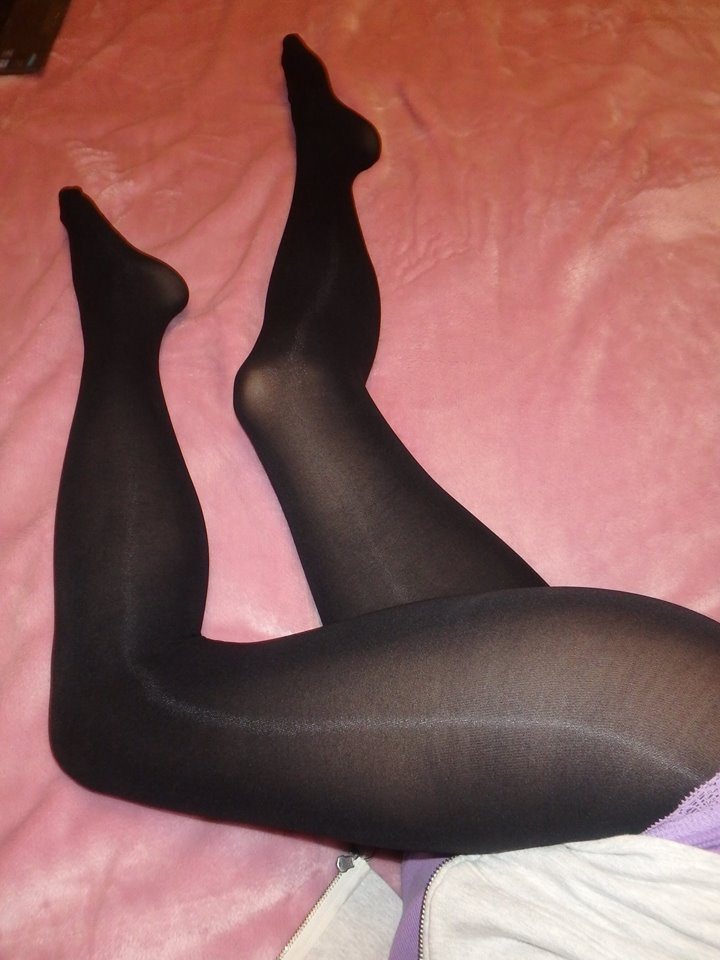Dita tights legs 1