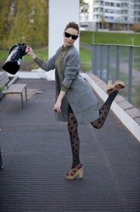 polka dot pantyhose 3 - fashion faux pas, fashion crime, poor styling, bad matching of clothing