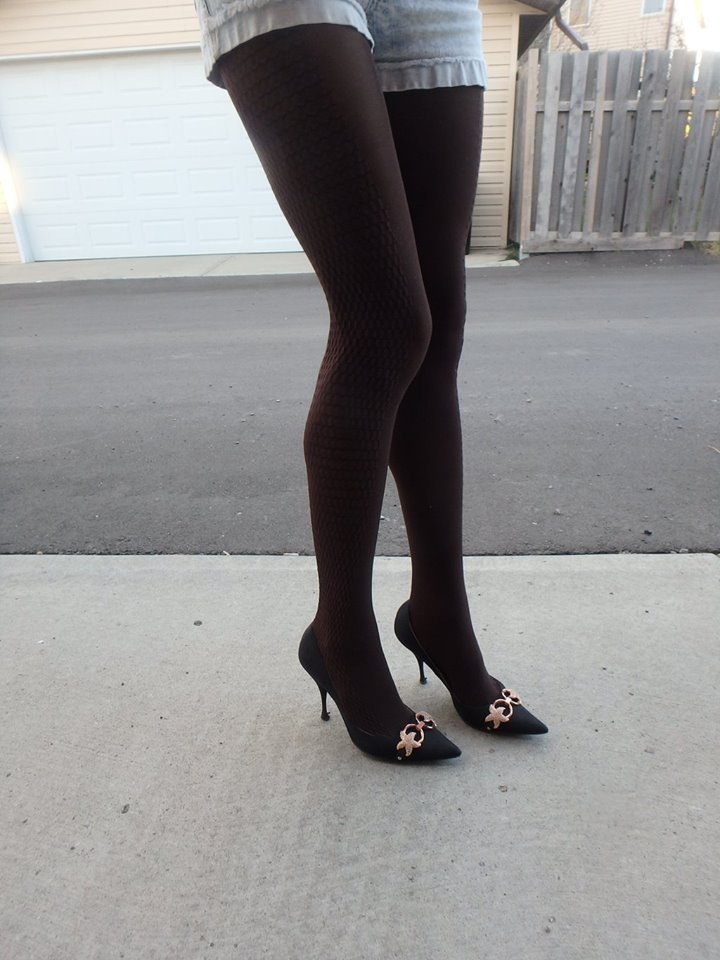 abby tights on my legs in chocolate