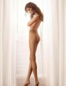Gatta Discrete 15 den tights on a model, seamless pantyhose from Poland