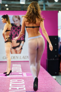 golden lady seamless pantyhose fashion show models on the runway pattern lilac tights 2