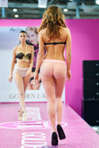 golden lady seamless pantyhose fashion show models on the runway pink tights 3