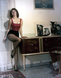 sophia loren in fishnet pantyhose